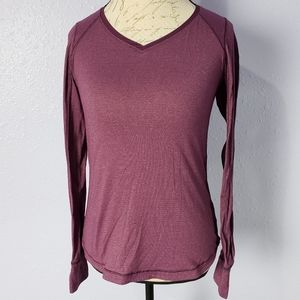 Lululemon Long Sleeve Vneck Athletic size 6